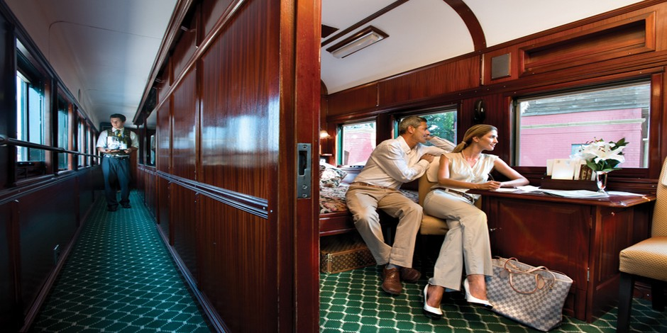 Couple dans la suite deluxe du Train Rovos