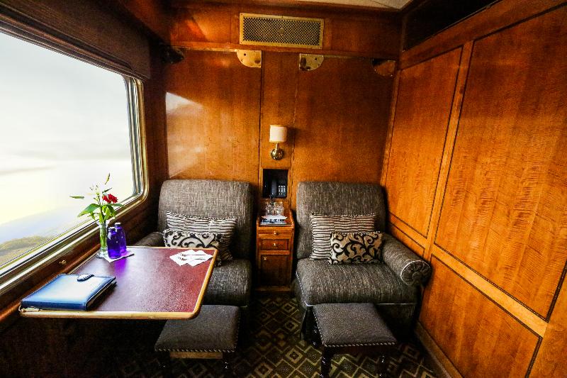 Train Bleu Suite