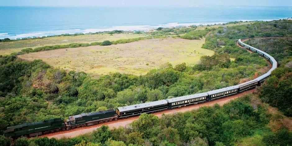 Train_Shongololo_Express-au-bord-de-la-mer