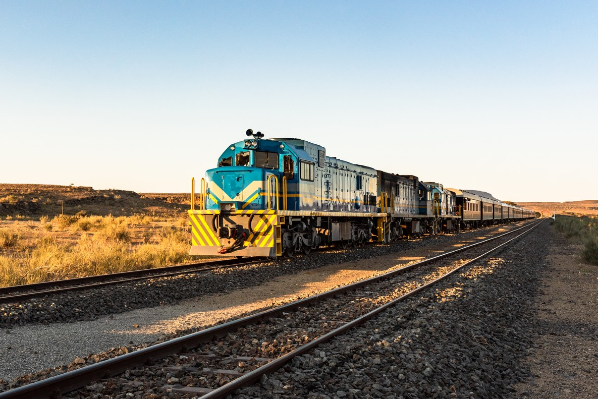 Train Shongololo Express en route en Namibie