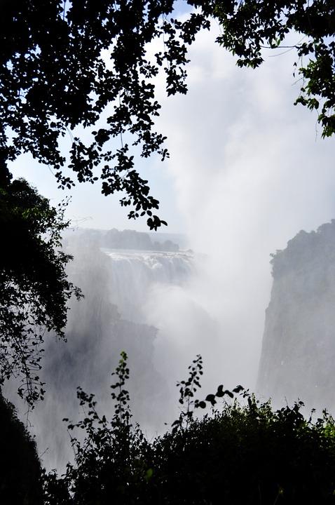 Victoria Falls dans le circuit avec le train de luxe Rovos